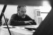 Miklos Bokor dans son atelier de La Ruche dans le 15e arrondissement de Paris, en juin 1996.
