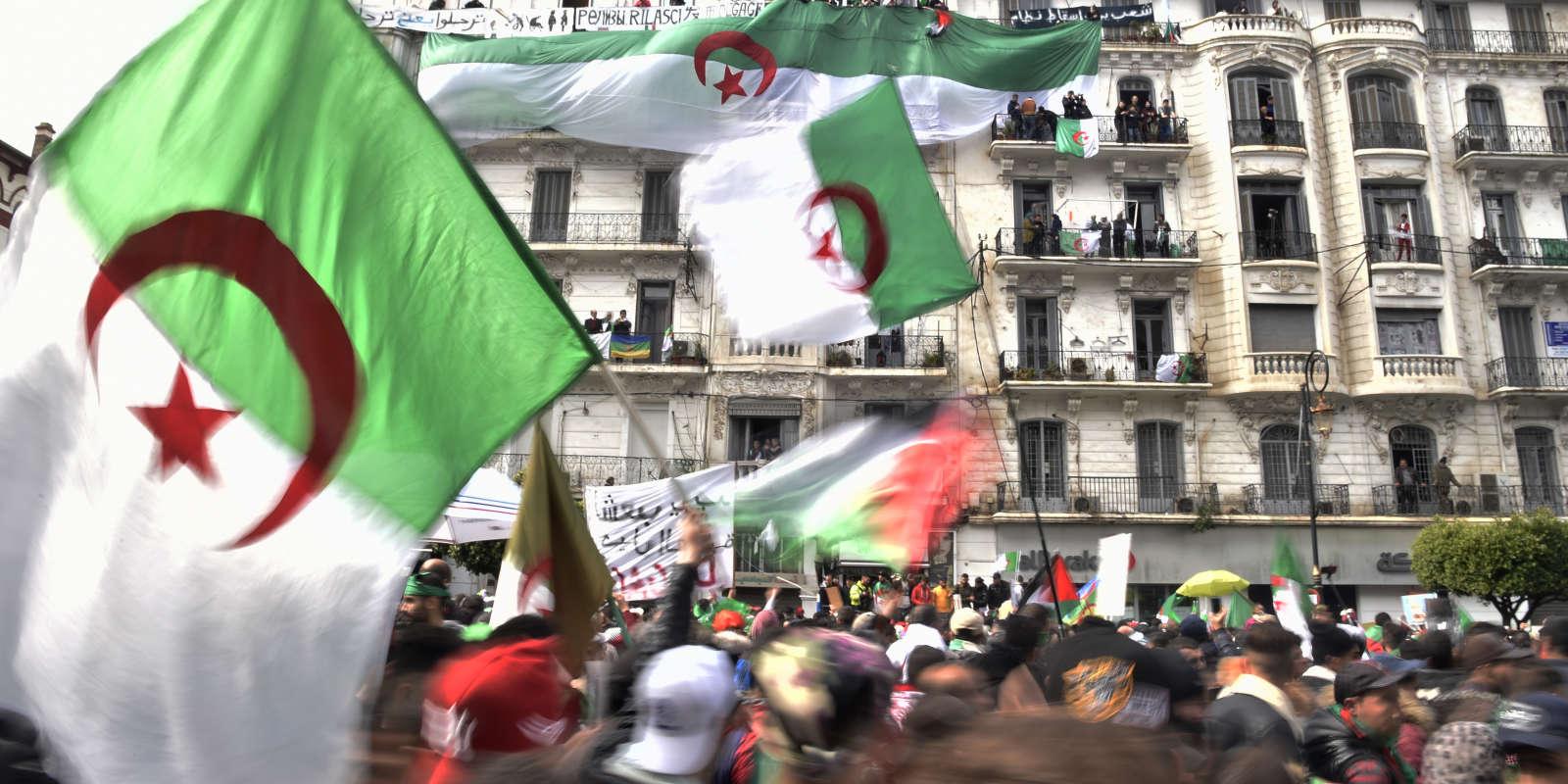 Manifestations contre le président Bouteflika, à Alger, le 22 mars.