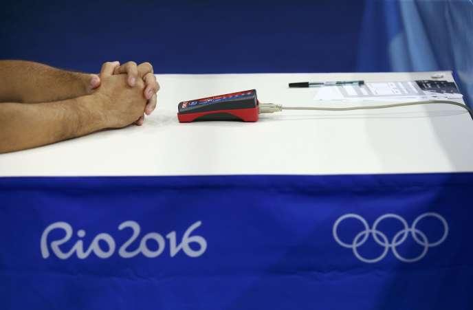 Une table d'arbitrage lors du tournoi de boxe des Jeux olympiques de Rio, en 2016.