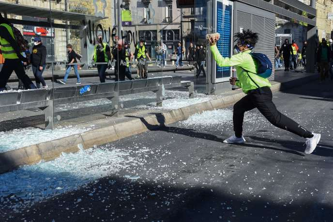 Lors d'une manifestation des« gilets jaunes» à Montpellier, le 23 mars 2019.