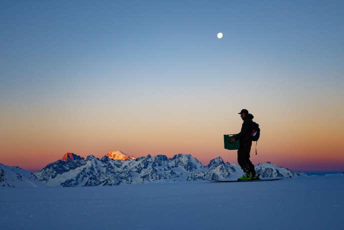 Lever de soleil sur le mont Blanc, le 23 mars.