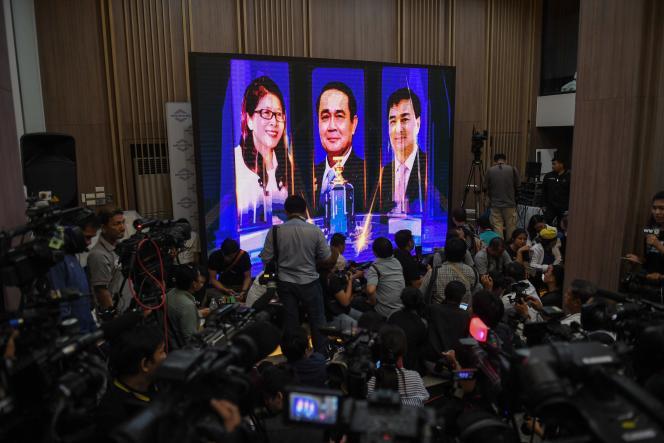 Selon des résultats préliminaires, sur la base de 90% des bulletins de vote dépouillés, plus de 7,3 millions d'électeurs thaïlandais ont voté pour le parti de la junte, le Palang Pracharat, selon la Commission électorale.