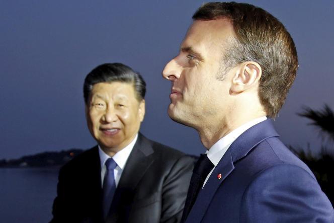 Le chef d'Etat chinois, Xi Jinping, et le président Emmanuel Macron, à Beaulieu-sur-Mer (Alpes-Maritimes), le 24 mars 2019.