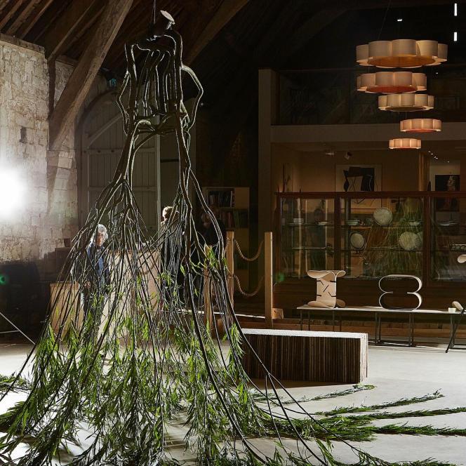 Distorted chair (2016), du designer britannique Gavin Munro.