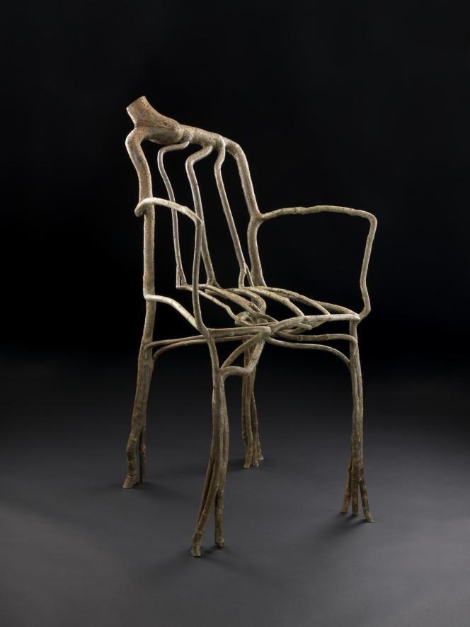 Cette chaise, créée par le designer britannique Gavin Munro, fait partie de la collection permanente du National Museum of Scotland, à Edimbourg.