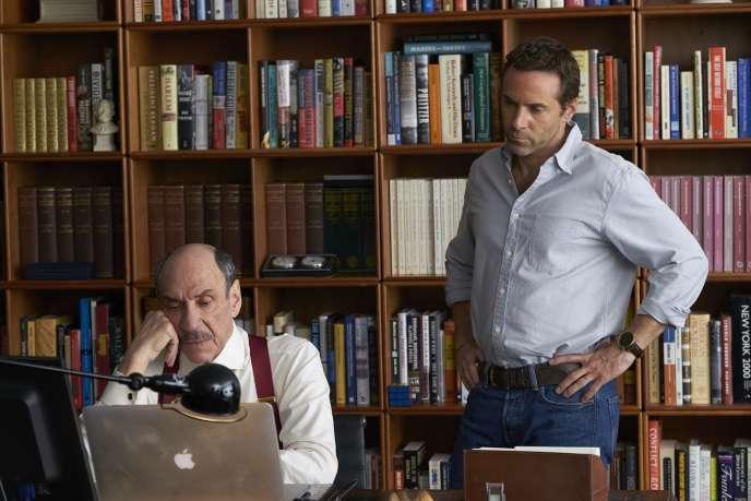 F.Murray Abraham et Alessandro Nivola dans «Chimerica», une série écrite par la Britannique Lucy Kirkwood.