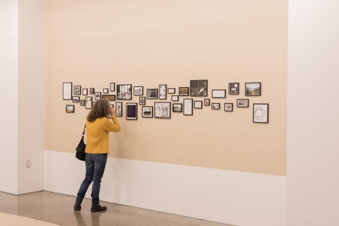 Vue de l'installation de Basma Alsharif, «Trompe l'Oeil» 2016 au Musée d'art contemporain canadien à Toronto, Canada.