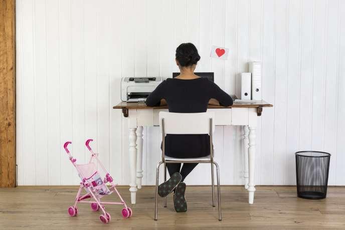 La charge mentale et le soin des enfants pesant encore davantage sur les femmes aujourd'hui, reprendre les études pour les mamans reste très compliqué.