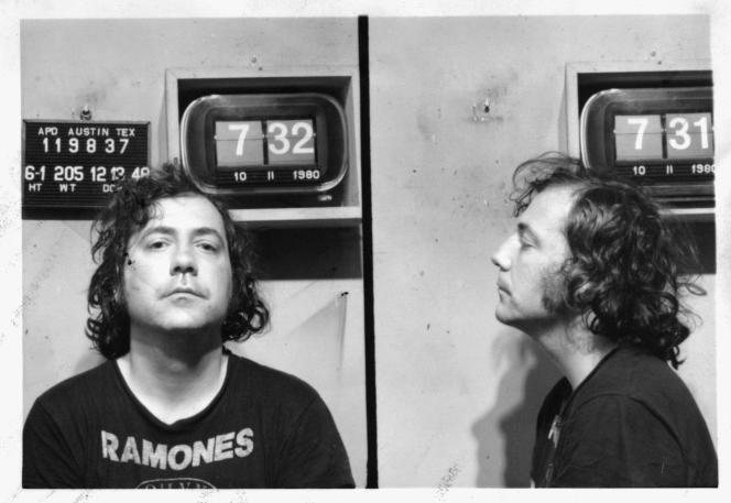 «Lester Bangs photographié par la police d'Austin, Texas, le 11 octobre 1980 à 7:31 et 7:32», un document extrait de la biographie de Jim DeRogatis : «Lester Bangs, mégatonnique rock critic» (éditions Tristram, 2006).