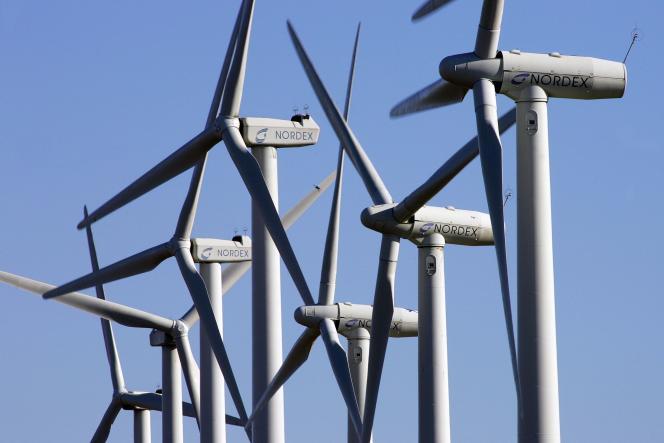 Après deux siècles de fascination pour les énergies fossiles, la transition énergétique serait désormais en marche.