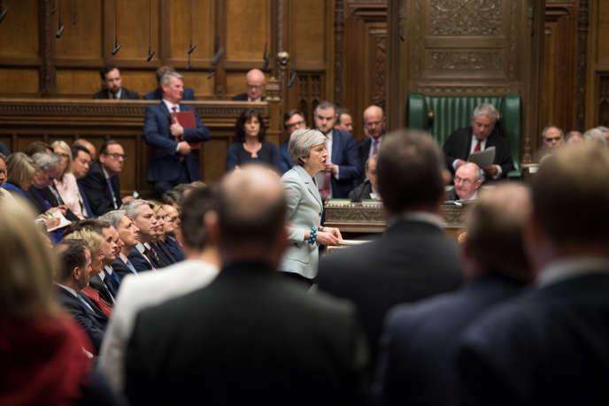 Theresa May a tenté de convaincre au Parlement, lundi soir.