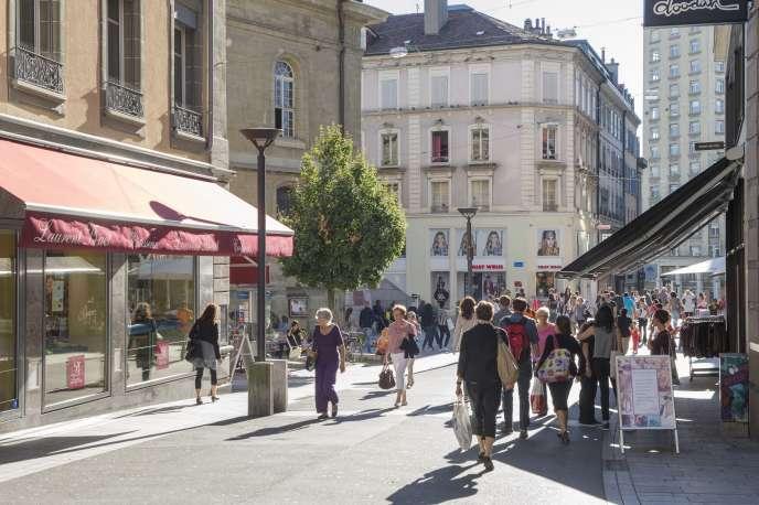 A Lausanne, en Suisse, dans la rue piétonne Haldimand.