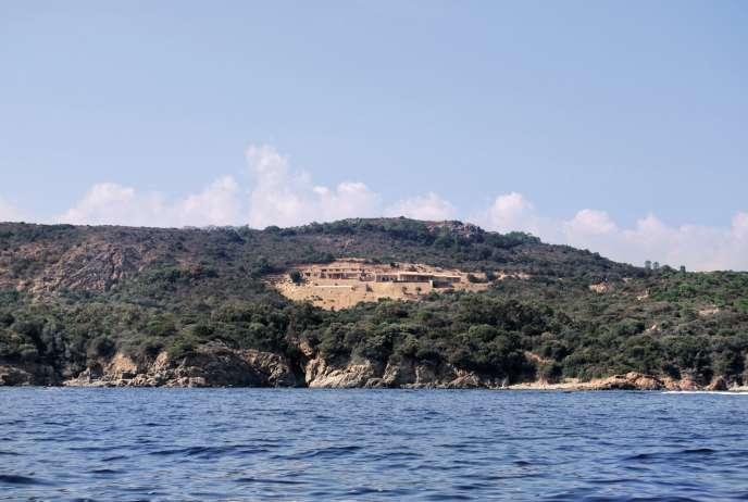 Les deux villas construites sur le site d'A Rundinara.