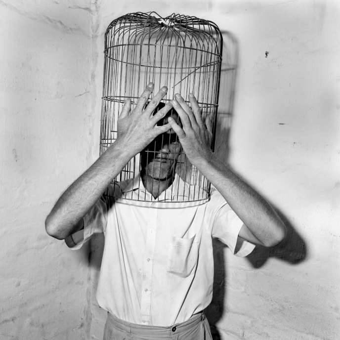 «Encaged», deRoger Ballen (1996).