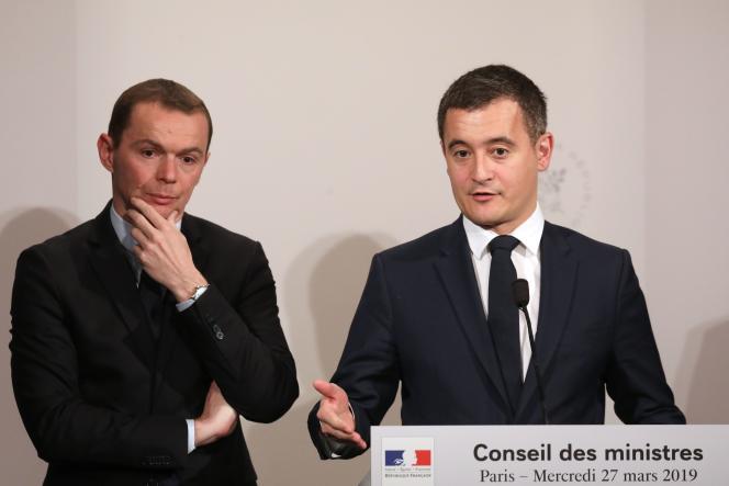 Gérald Darmanin, ministre de l'action et des comptes publics (à droite), et Olivier Dussopt, son secrétaire d'Etat, à l'Elysée, le 27 mars.
