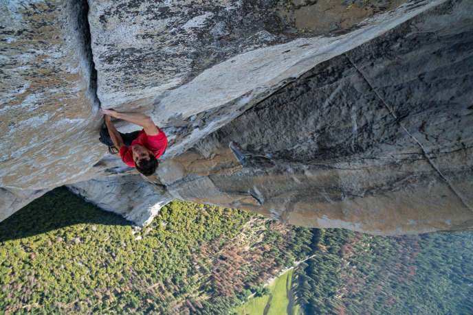 Alex Honnold lors de l'ascension d'El Capitan, dans le parc national de Yosemite (Californie).