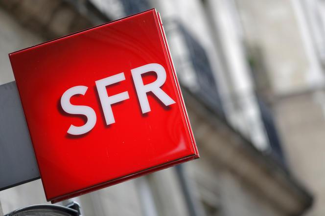 Enseigne d'une boutique SFR, à Nantes, en juillet 2017.