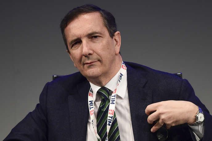 Le patron de Telecom Italia (TIM), Luigi Gubitosi, lors de l'assemblée générale des actionnaires de TIM, le 29 mars, à Rozzano, au sud de Milan.