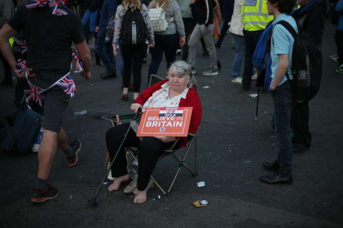 Une partisane du Brexit, à Londres, vendredi 29 mars.