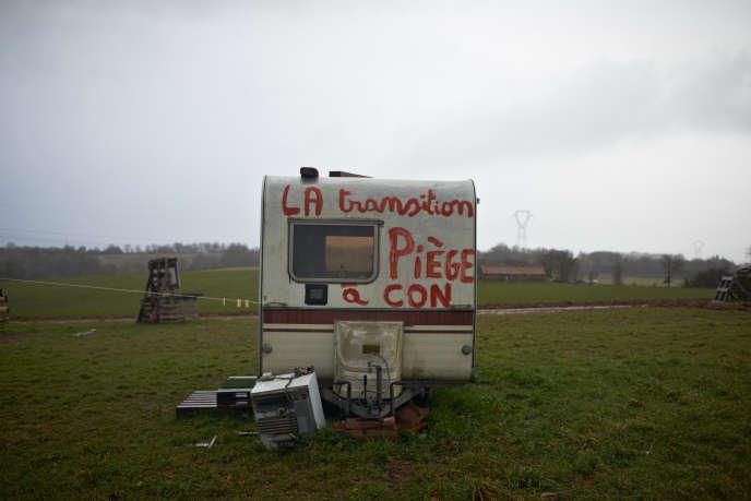 Contre l'implantation d'un transformateur électrique à l'Amassada à Saint-Victor-et-Melvieu (Aveyron), le 10 février.