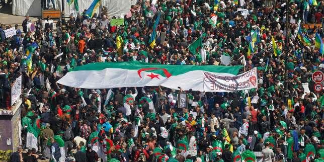 Algérie: l'armée juge les revendications des manifestants satisfaites, la contestation se poursuit