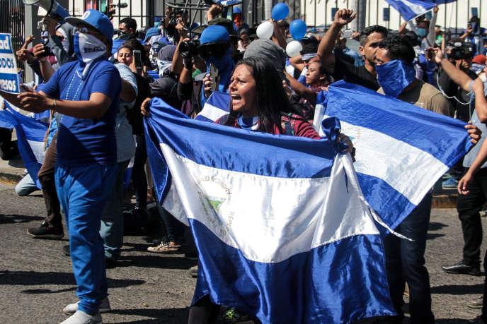 Manifestation contre le régime de Daniel Ortega, à Managua, la capitale du Nicaragua, le 30 mars.