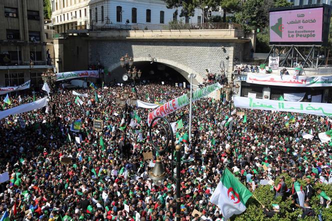 Manifestations à Alger, le 29 mars.