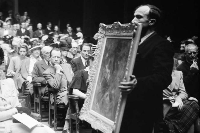 Vente aux enchères dirigée par Maître Ader à la galerie Charpentier. Paris, juin 1944.