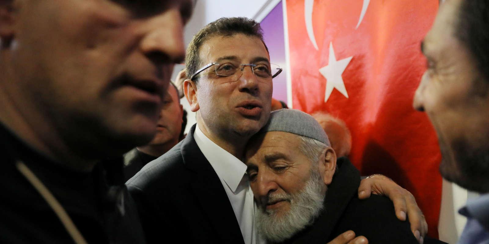 Ekrem Imamoglu, candidat duParti républicain du peuple (centre gauche) aux municipales à Istanbul, le 1er avril.