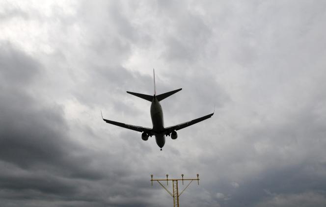 Un Boeing 737 à l'approche de l'aéroport d'Arlanda, à Stockholm, en 2011.