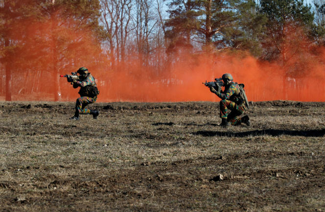 Des soldats belges déployés en Estonie dans le cadre d'un exercice de l'OTAN, en avril.