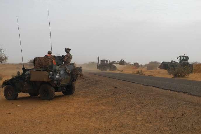 Des militaires français dans le centre du Mali, le 25 mars.