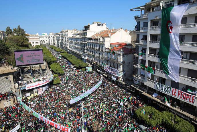 Manifestation dans le centre d'Alger, le 29 mars 2019.