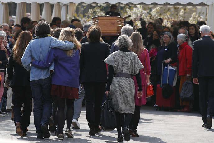 Les obsèques de la réalisatrice Agnès Varda, mardi 2avril au cimetière du Montparnasse, à Paris.