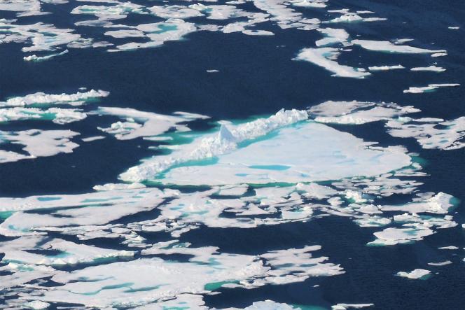 En juillet 2018, l'exploratrice bretonne a tenté de franchir le passage du Nord-Ouest, reliant l'océan Atlantique à l'océan Pacifique en passant par le nord du Canada. Elle a parcouru un millier de kilomètres, avant de devoir abandonner son bateau en raison d'une tempête.