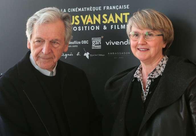 Le cinéaste Costa-Gavras et Dominique Hoff, déléguée générale de la Fondation Gan pour le cinéma, en avril 2016, à Paris.
