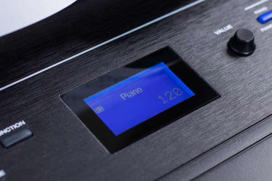 L'écran LCD du Recital Pro permet de voir facilement quelle sonorité est sélectionnée et de la régler.