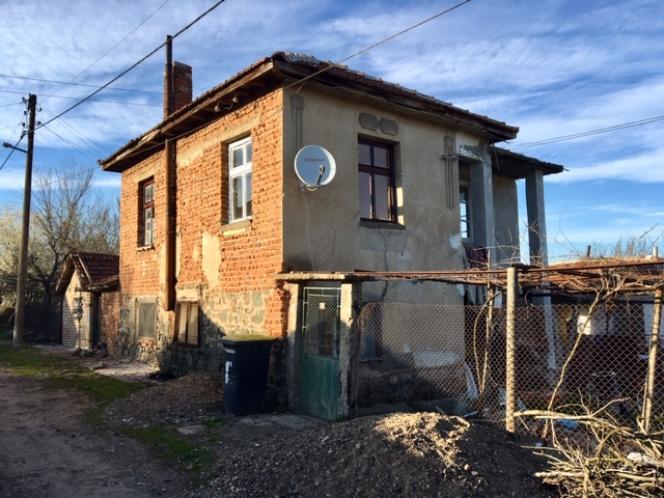 Une maison abandonnée, dans le village de Zidarovo, à l'est de la Bulgarie.