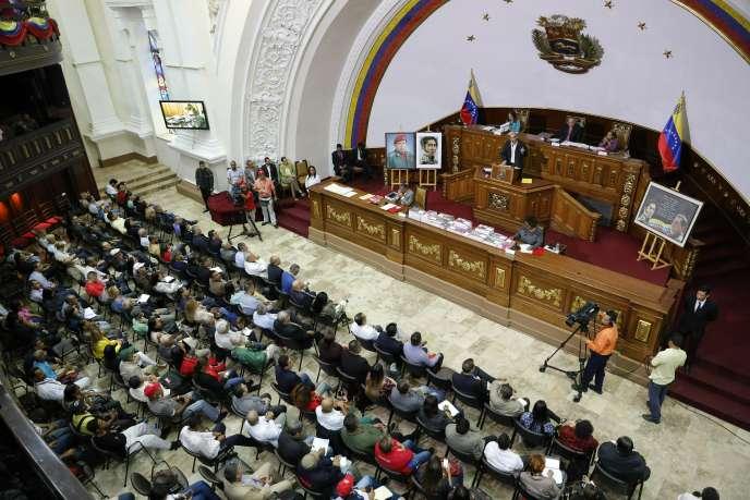 L'Assemblée constituante vénézuélienne s'est réunie pour voter la levée de l'immunité parlementaire de Juan Guaido, le 2 avril à Caracas.