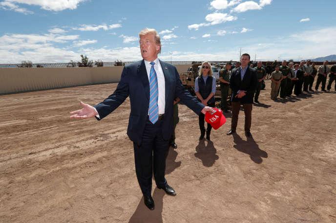 Donald Trump, à Calexico, vendredi 5 avril.