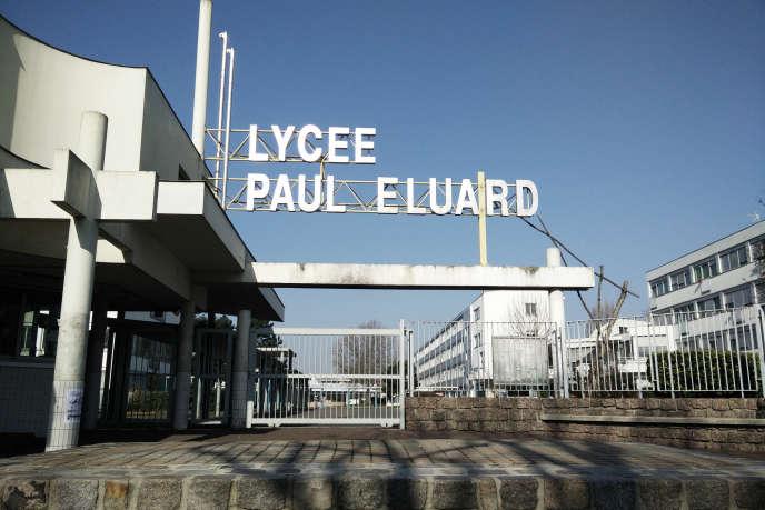 L'entrée du lycée Paul-Eluard à Saint-Denis (Seine-Saint-Denis), en mars 2015.