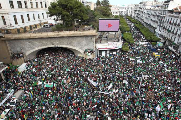 A Alger, le 5 avril.