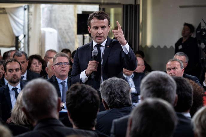 Emmanuel Macron à son dernier Grand Débat à Cozzano, en Corse du Sud, le 4 avril.