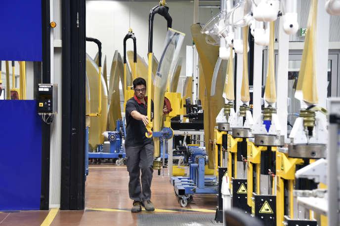 Au sein de l'usine Ratier Figeac, spécialisée dans la fabrication d'hélices et d'équipements de cockpit, en mars 2017.