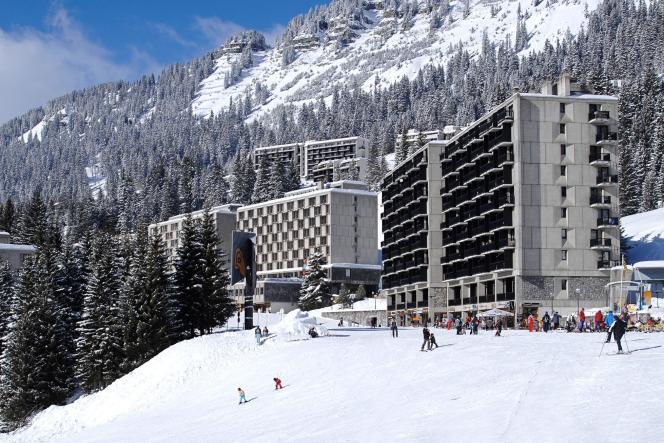 L'ensemble en béton brut conçu par Marcel Breuer à Flaine (Haute-Savoie), à la fin des années 1950.
