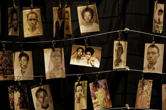 Des photos des victimes du génocide au Rwanda.