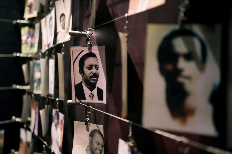 Des photos de victimes au Mémorial du génocide de Kigali (Rwanda).