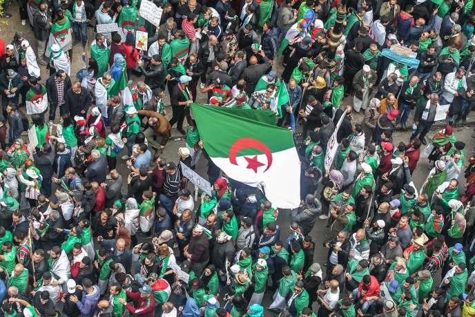Manifestation contre le gouvernement, à Alger, le 5 avril.