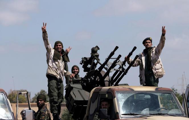 Des membres del'ANL (Armée nationale libyenne), menée par le maréchalKhalifa Haftar, le 7 avril.