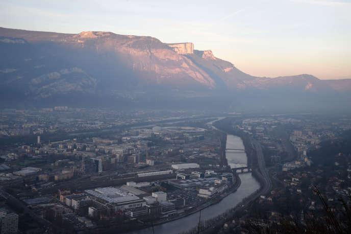 Vue sur Grenoble et l'Isère.
